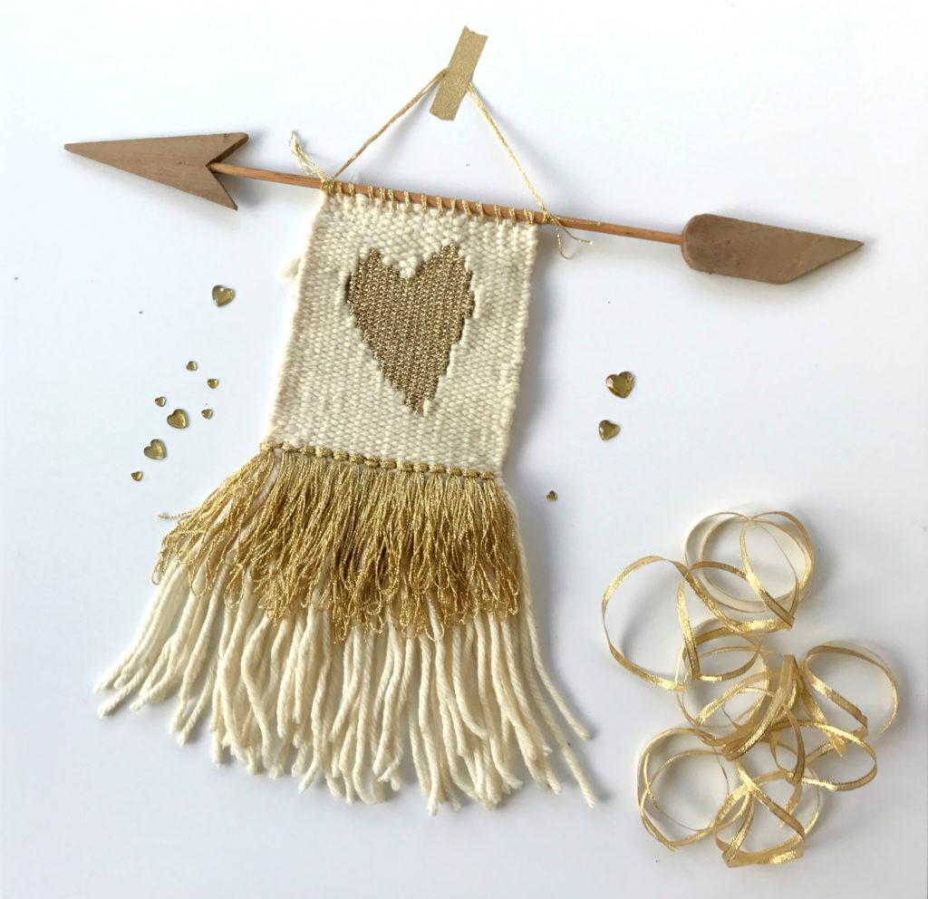 אריג קיר עם לב של זהב – הדרכה |   Golden Heart Wall hanging